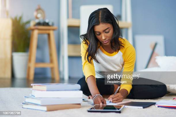her device helps her study - university stock pictures, royalty-free photos & images