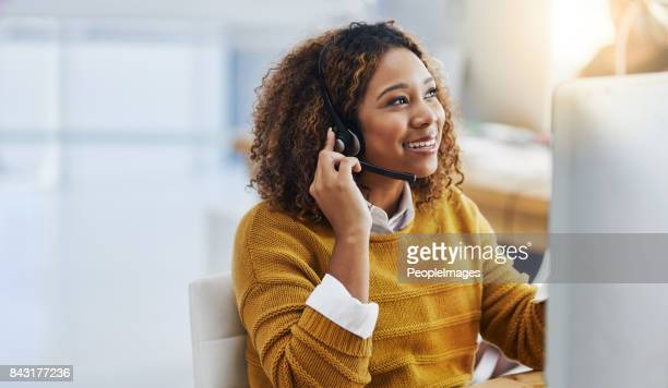 her display of care in customers is great business - headset stock pictures, royalty-free photos & images