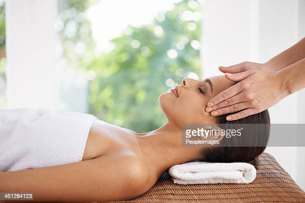 her hands bring total relaxation - massage stock photos and pictures