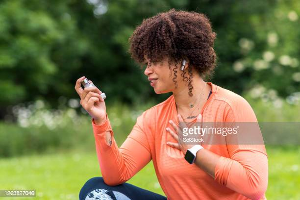 her inhaler always helps - sunderland stock pictures, royalty-free photos & images