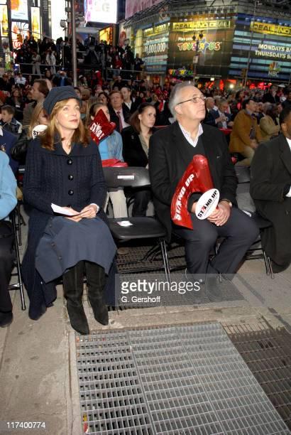 Her Majesty Queen Noor of Jordan and United Nations Deputy Secretary General Mr Mark Malloch Brown