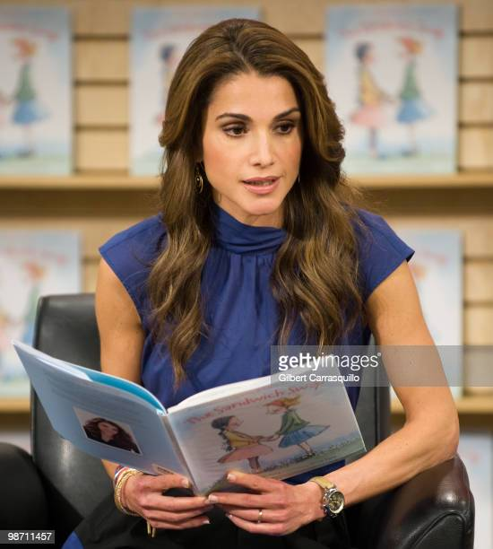 """Her Majesty Queen Rania Al Abdullah of Jordan promotes """"The Sandwitch Swap"""" at Borders Books & Music, Columbus Circle on April 27, 2010 in New York..."""