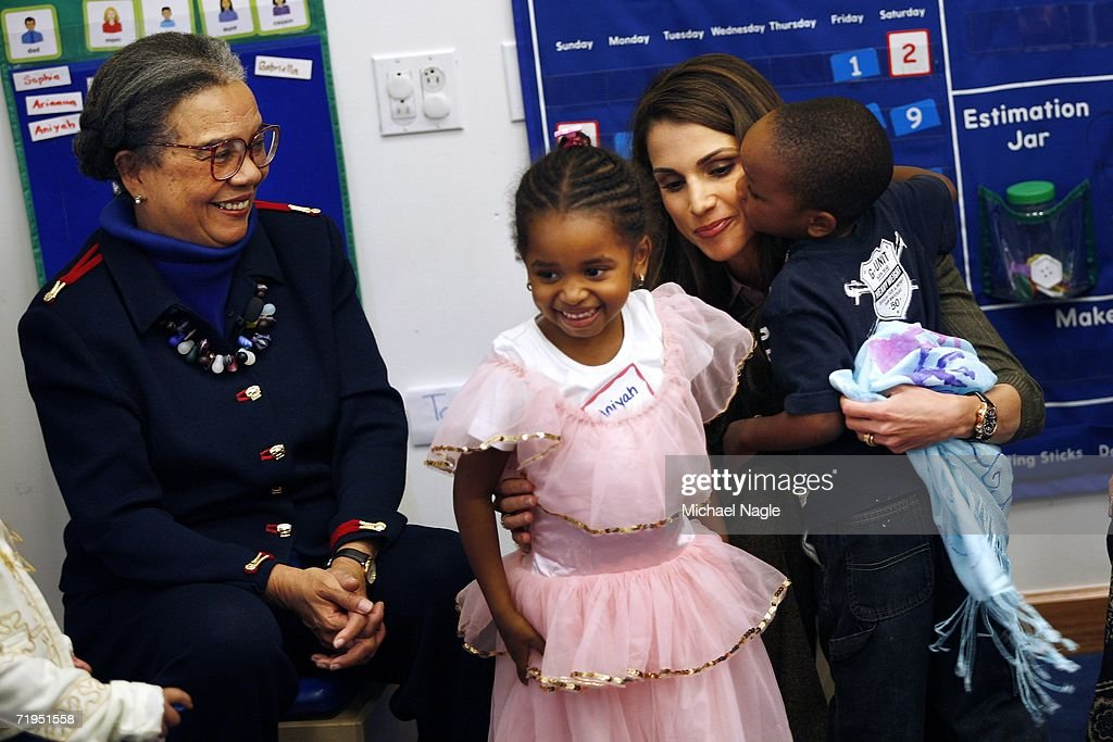 Her Majesty Queen Rania Al-Abdullah (R) of Jordan along with with Children's Defense Fund President Marion Wright Edelman (L) play with children at the Association to Benefit Children's new Echo Park children and family facility in Harlem September 20, 2006 in New York City. Queen Rania and Marion Wright Edelman set in motion the Global Women's Action Network for Children last June in Jordan.