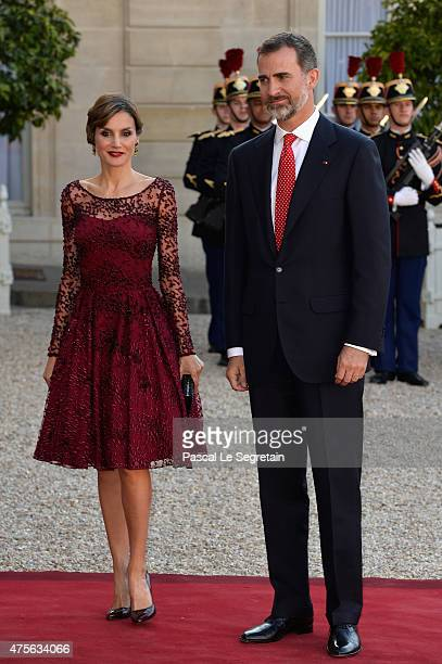 Her Majesty The Queen Letizia of Spain and His Majesty The King Felipe VI of Spain arrive for the State Dinner offered by French President Francois...