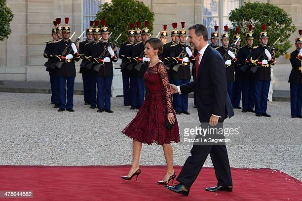 Her Majesty The Queen Letizia of Spain and His Majesty The King Felipe VI of Spain arrive for the State Dinner offered by French President François...