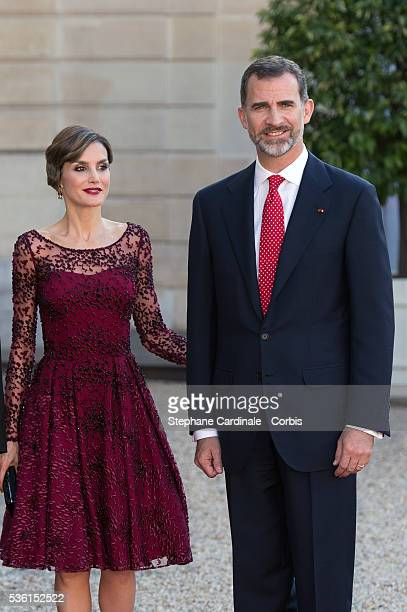 Her Majesty The Queen Letizia of Spain and His Majesty The King Felipe VI of Spain pose before the State Dinner offered by French President François...