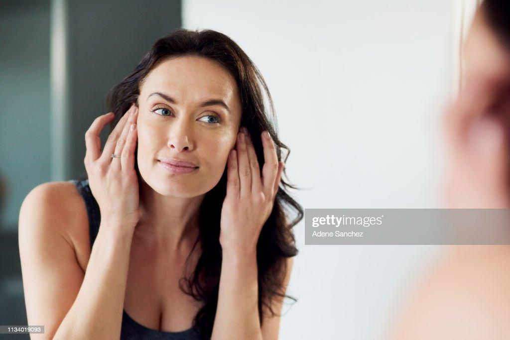 Her skin has never been healthier : Stock Photo