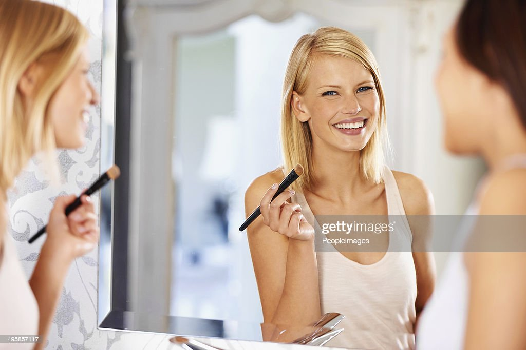 Her skin is looking radiantly beautiful : Stock Photo