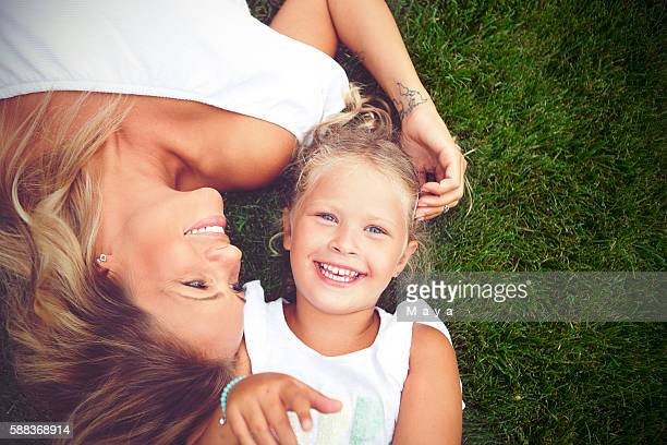 her smile makes me smile - happy mothers day mom stock-fotos und bilder