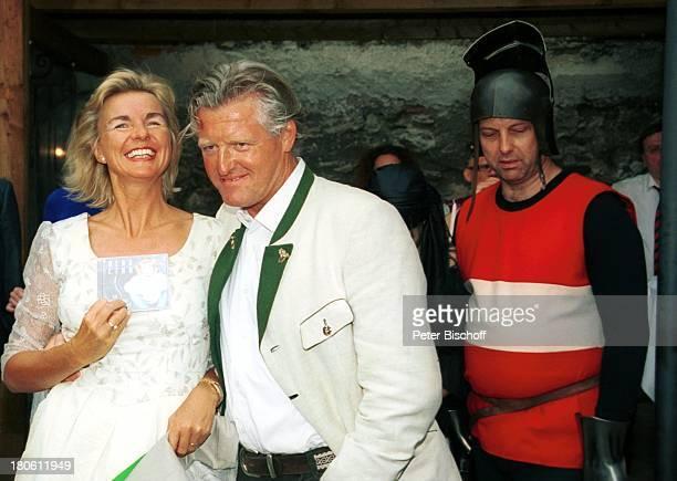 Hera Lind Lebensgefährte Engelbert Lainer Marketender VorabFeier zum 50 Geburtstag von A l b e r t F o r t e l l Burgfest auf Burg Oberkapfenberg...