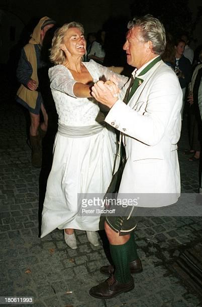 Hera Lind Lebensgefährte Engelbert Lainer VorabFeier zum 50 Geburtstag von A l b e r t F o r t e l l Burgfest auf Burg Oberkapfenberg Kapfenberg...