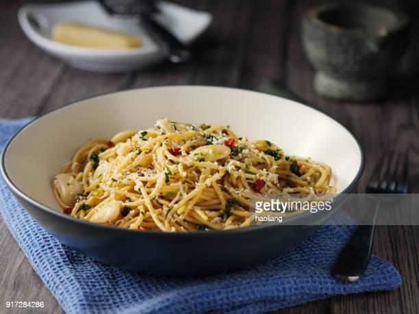 Herb butter spaghetti