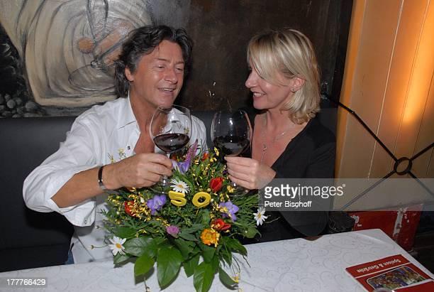 Herbert Herrmann Lebensgefährtin Nora von Collande nach dem Theaterstück Meine Schwester und ich italienisches Restaurant Scusi Bremen Deutschland...
