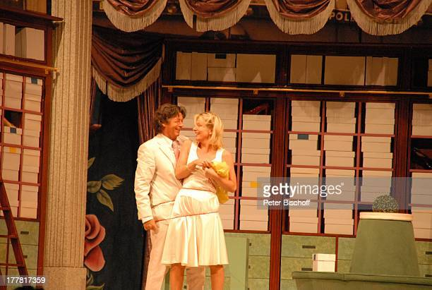 Herbert Herrmann Nora von Collande Theaterstück Meine Schwester und ich Glocke Bremen Deutschland Europa musikalisches Lustspiel von R A L P H B E N...