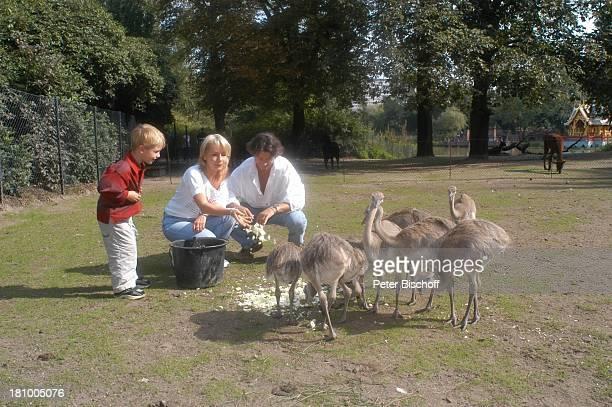 """Herbert Herrmann, Sohn Phillip-Leon Herrmann, Lebengefährtin Nora von Collande,, -, Zoobesuch, Hamburg, , """"Hagenbecks Tierpark"""", Schauspieler,..."""