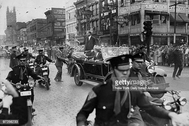 Herbert Hoover waves to crowd in Elizabeth NJ during his Presidential campaign