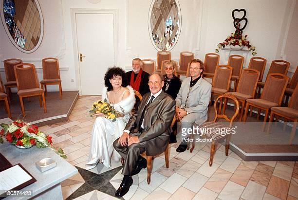 Herbert Köfer, Ehefrau Heike Knochee,;, Dietmar Schönherr, Vivi;Bach, Wolfgang Lippert, , Hochzeit, Berlin, Deutschland, Europa, Köpenick,;Rathaus,...