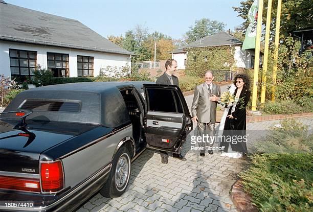 Herbert Köfer Ehefrau Heike KnocheeChauffeur Hochzeit Berlin Deutschland Europa LuisenhainHotel Seeresidenz Lincoln TowncarStretch Limousine Braut...