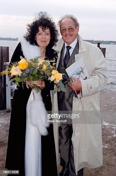 """Herbert Köfer, Ehefrau Heike Knochee,;Hochzeit, Fahrt zum Restaurant;""""Seeresidenz"""", Berlin, Schiff von Köpenick;zum Müggelsee, Braut, Bräutigam, ! A..."""