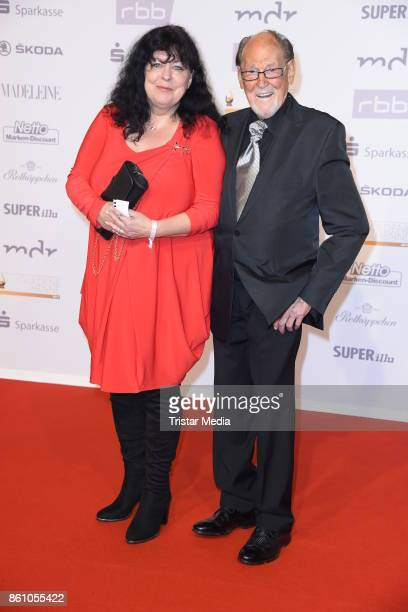 Herbert Koefer and his wife Heike Knochee attend the Goldene Henne on October 13, 2017 in Leipzig, Germany.