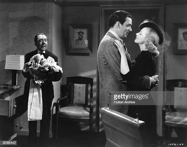 Herbert Mundin stars with Walter Pidgeon and Virginia Bruce in 'Society Lawyer' a remake of the 1933 film 'Penthouse' directed by Edwin L Marin for...