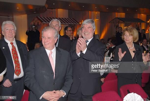 """Herbert Nold , Name auf Wunsch, Geburtstagsgäste, †berraschungs-Geburtstags-Party zum 70. Geburtstag von T o n y M a r s h a l l, """"Kurhaus..."""