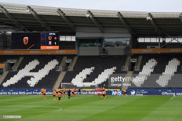 Herbie Kane of Hull City scores his sides first goal during the Sky Bet Championship match between Hull City and Middlesbrough at KCOM Stadium on...