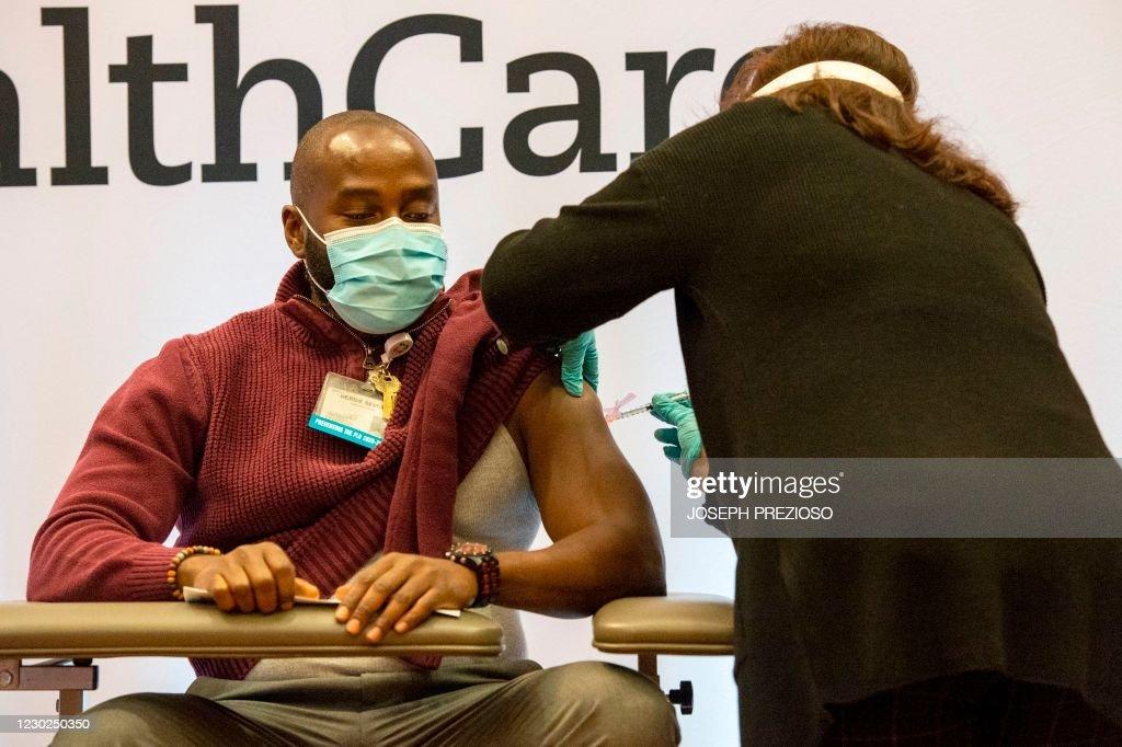 US-pandemic-vaccines : News Photo