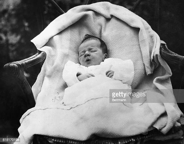 7/6/1930CHARLES AUGUSTUS LINDBERGH JR Here he is himself two weeks old He was born June 22 1930 in the Morrow home in Englewood New Jersey his...