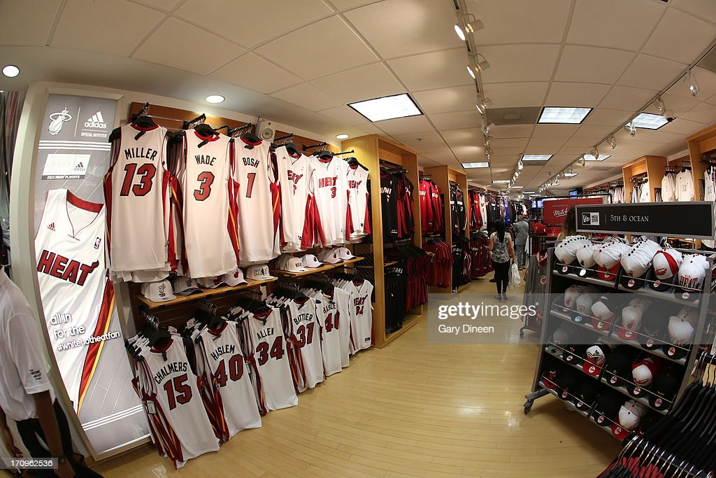 the best attitude 37391 1f0fa Here is a photograph of the NBA Team Store inside the ...