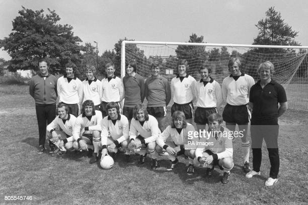 Hereford United team group back row left to right trainer Peter Isaac Ken Mallender Clive Slattery Colin Taverner David Icke Fred Potter Mick...