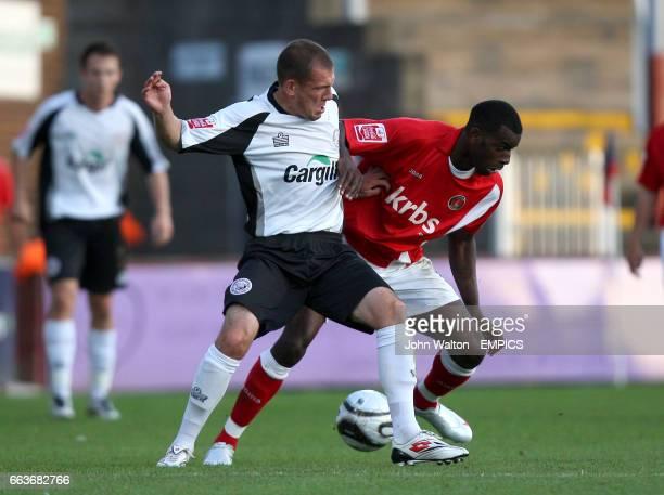 Hereford United's Ryan Valentine and Charlton Athletic's Izle McLeod
