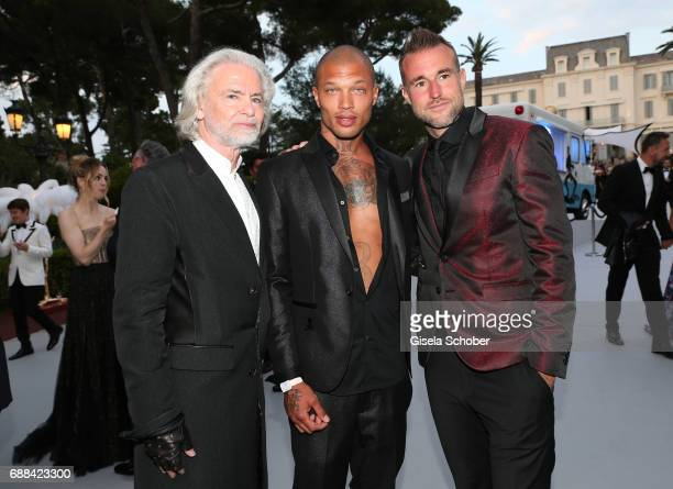 Hermann Buehlbecker Jeremy Meeks and Philipp Plein arrive at the amfAR Gala Cannes 2017 at Hotel du CapEdenRoc on May 25 2017 in Cap d'Antibes France