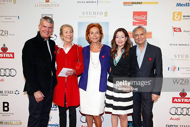 Hermann Reichenspurner, Edda Darboven, Heike Jahr, Vicky Leandros and John Neumeier attend the 'Das Herz im Zentrum' Charity Gala on June 14, 2015 in...