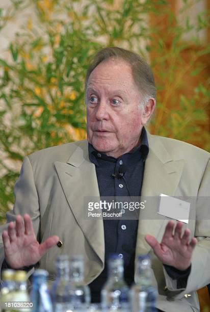 """Hermann Schreiber , """"NDR Talk Symposium""""- """"Zukunft im Gespräch"""", anläßlich Jubiläum """"25 Jahre N3-Talkshow"""", Hamburg, , ARD-Studio Hamburg, Bühne,..."""
