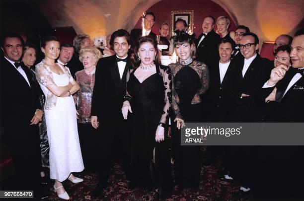 Hermine de ClermontTonnerre fête ses 30 ans chez Castel le 23 mars 1999 à Paris France