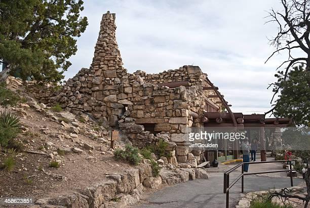 I visitatori Mill sul davanti il rifugio di riposo eremita