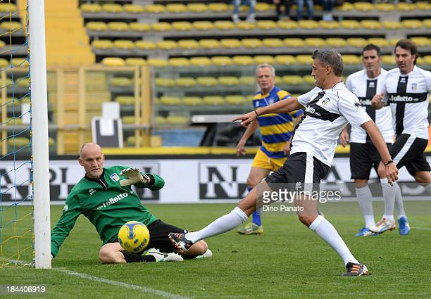 Hernan Crespo of Crociati Parma competes with Claudio Tafarell goalkeeper of Gialloblu Parma during the match between Gialloblu Parma and Crociati...