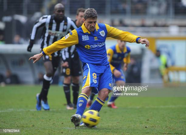 Hernan Crespo of Parma FC shoots from the penalty spot to score the 30 goal during the Serie A match between Juventus FC and Parma FC at Olimpico...