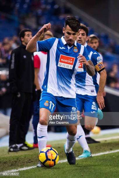 Hernan Perez of RCD Espanyol conducts the ball during the La Liga match between RCD Espanyol and Girona FC at RCDE Stadium on December 11 2017 in...