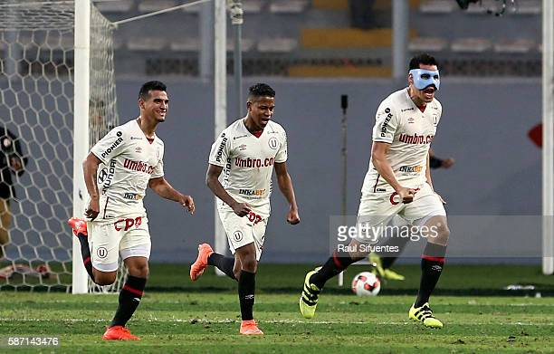 Hernan Rengifo of Universitario celebrates the second goal of his team against Sporting Cristal during a match between Universitario and Sporting...