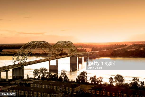 hernando de soto bridge, memphis, tennessee - mississippi stock pictures, royalty-free photos & images