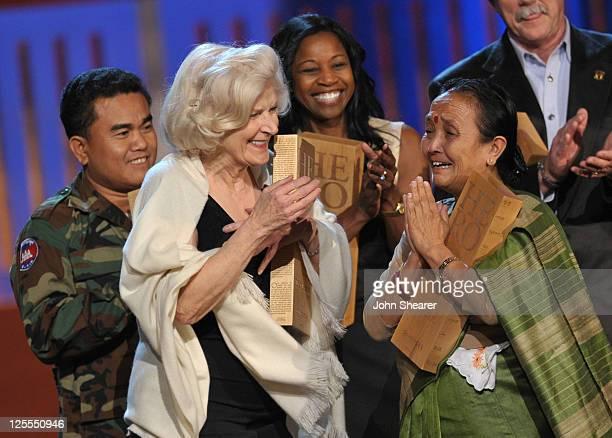"Hero Aki Ra of ""Cambodian Self Help Demining"", CNN Hero Guadalupe Arizpe de la Vega of ""Hospital de la Familia"", CNN Hero Linda Fondren of ""Shape Up..."