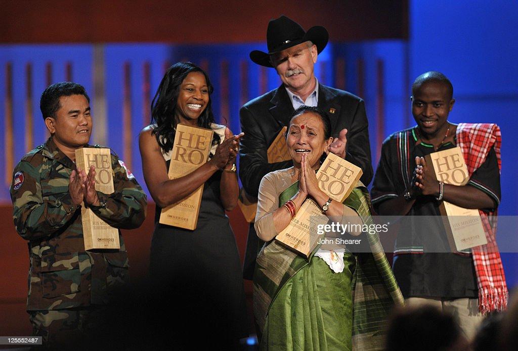 2010 CNN Heroes: An All-Star Tribute - Show : News Photo