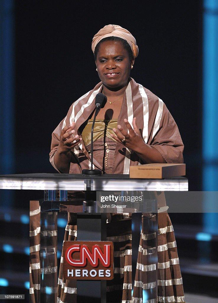 2009 CNN Heroes Awards - Show : News Photo
