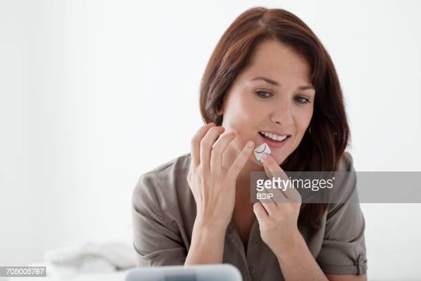 herpes treatment - herpes bildbanksfoton och bilder