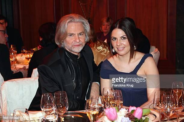 Herrmann Bühlbecker Und Marie Luise Prinzessin Von Sachsen Bei Der Verleihung Des Felix Burda Award Von Der Felix Burda Stiftung Im Hotel Adlon In...