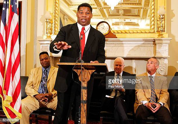 Herschel Walker NFL great former MMA Fighter speaks at a press conference to show support of professional fighters study at Cleveland Clinic Lou Ruvo...