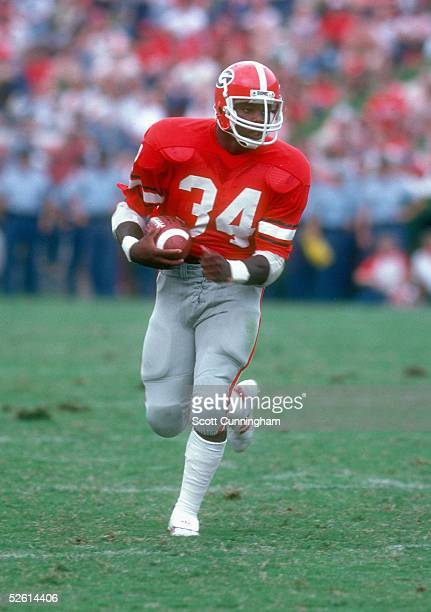 Herschel Walker of the Georgia Bulldogs carries the ball against the Tennessee Volunteers on September 5 1981 Georgia won 440