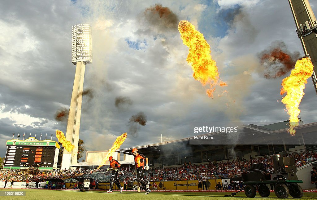Herschelle Gibbs and Shaun Marsh of the Scorchers run onto the field during the Big Bash League match between the Perth Scorchers and Adelaide Strikers at WACA on December 9, 2012 in Perth, Australia.